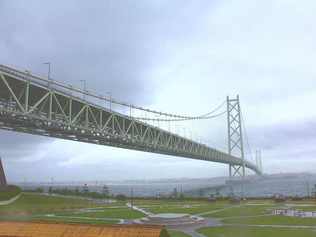 写真4:明石大橋の写真です。
