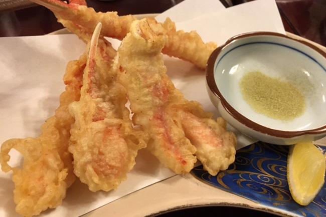写真:かにの天ぷら