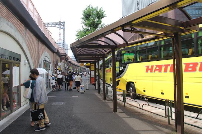 写真:はとバス乗り口