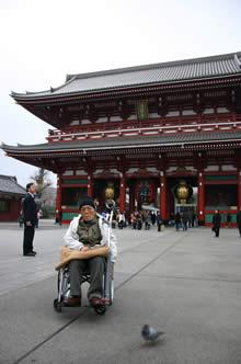 写真:浅草寺の門