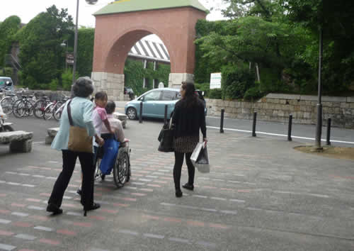 写真:岡山の倉敷美観地区に到着