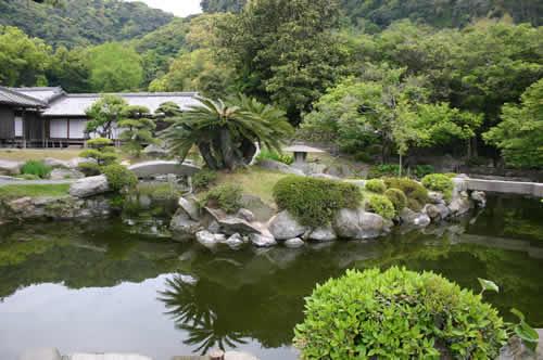 写真:緑がいっぱいの仙厳園