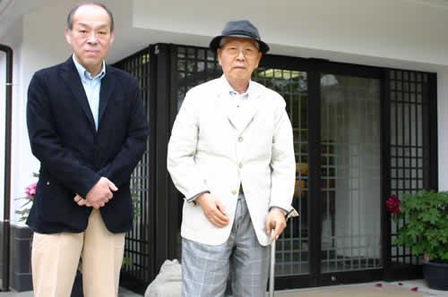 写真:沈壽官窯の十五代目と記念撮影