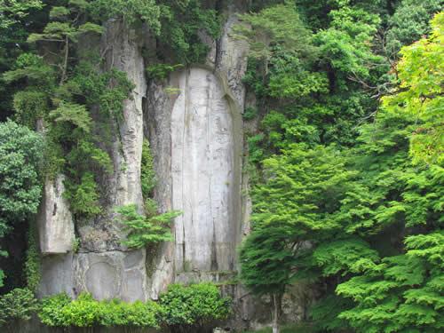 写真:大野寺の磨崖仏