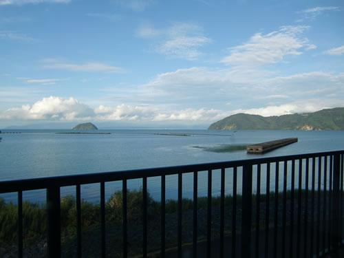 写真:琵琶湖を一望する